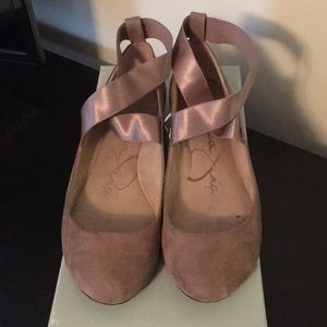 Jessica Simpson taupe ballet flats